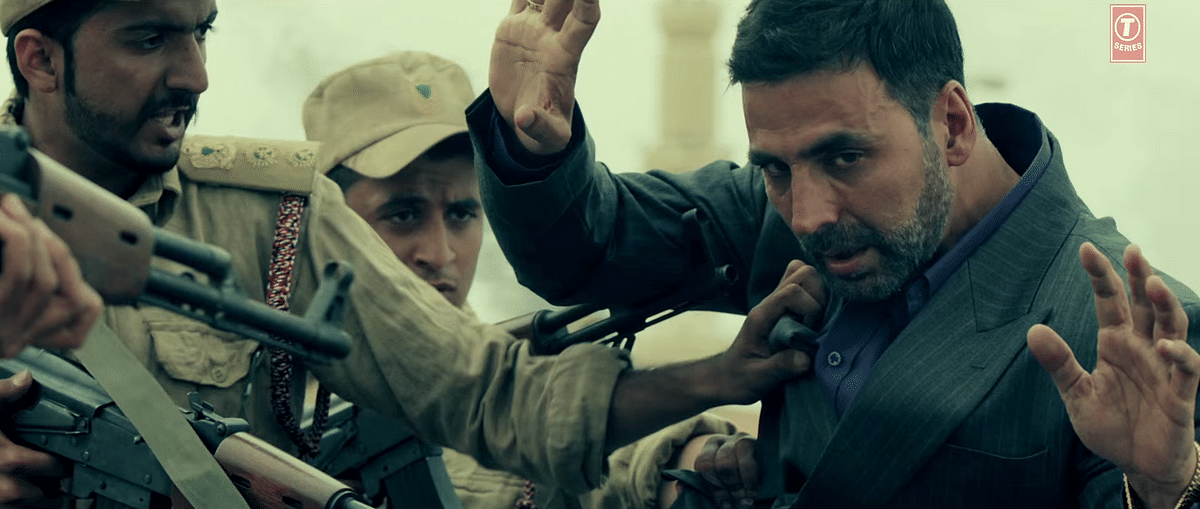 Akshay Kumar gets arrested in a scene from the trailer of <i>Airlift</i> (Photo: YouTube/T-Series)