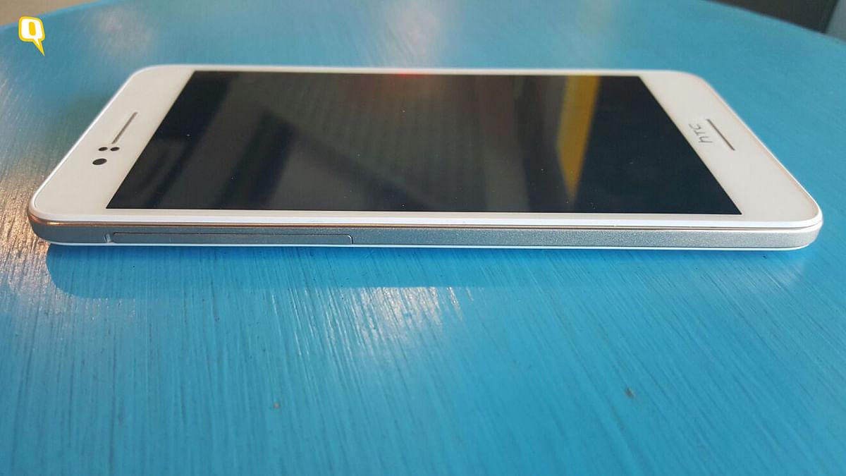 HTC Desire 728G (Photo: The Quint)