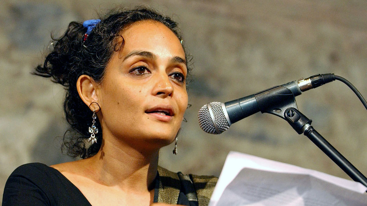 Arundhati Roy Apologises for 2011 Video Comparing India & Pak Army