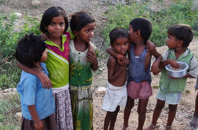 Cute local kids in Hampi. (Photo Courtesy: Sonal Kwatra Paladini/Drifter Planet)