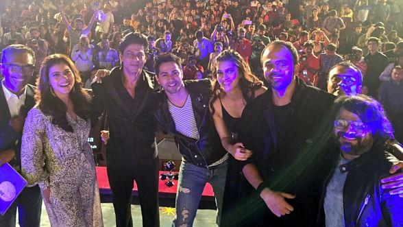 Kajol, Shah Rukh Khan, Varun Dhawan, Kriti Sanon, Rohit Shetty and Pritam at the <i>Dilwale </i>song launch (Photo courtesy: Twitter/@RedChilliesEnt)
