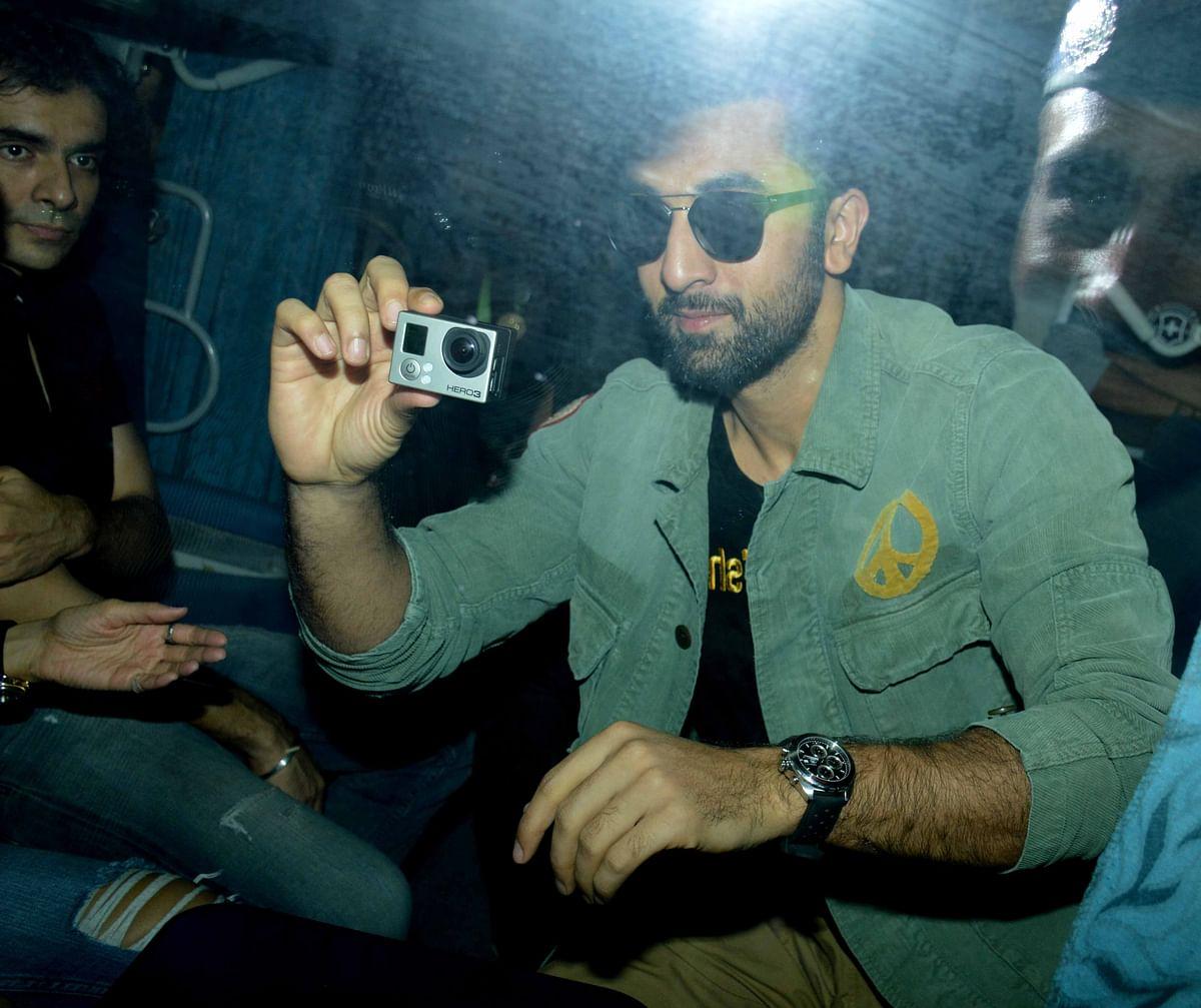 Ranbir Kapoor promotes his upcoming film <i>Tamasha</i> on a Mumbai-Delhi train (Photo: Yogen Shah)