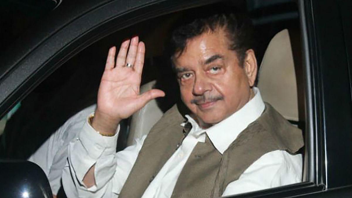 Shatrughan Sinha Chooses RJD's Iftar Party Over JD(U)'s