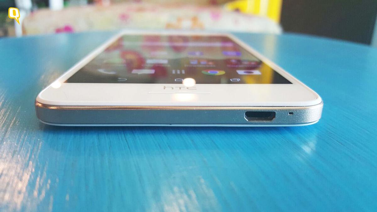 HTC Desire 728G (Photo: <b>The Quint</b>)