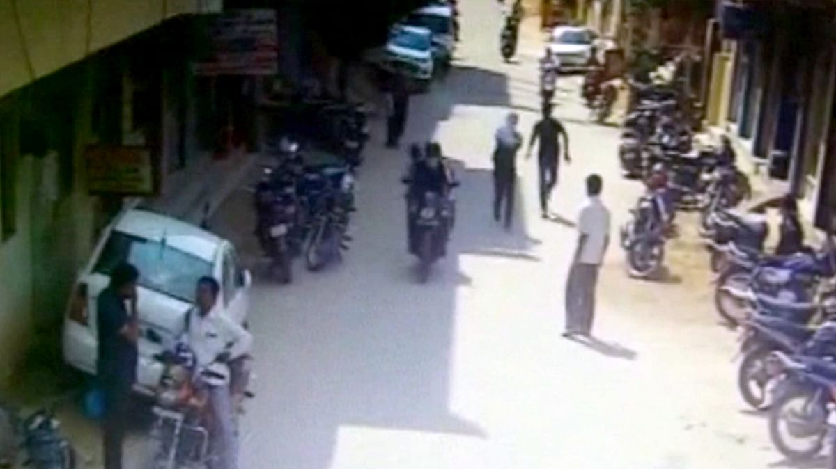A chain snatching incident took place at a junction in Hyderabad on Monday.