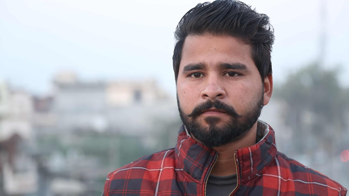 Deepak, brother of Rakesh Kumar, one of the 39 Indians abducted by the ISIS from Mosul, Iraq. (Photo: Siddharth Safaya/<b>The Quint)</b>