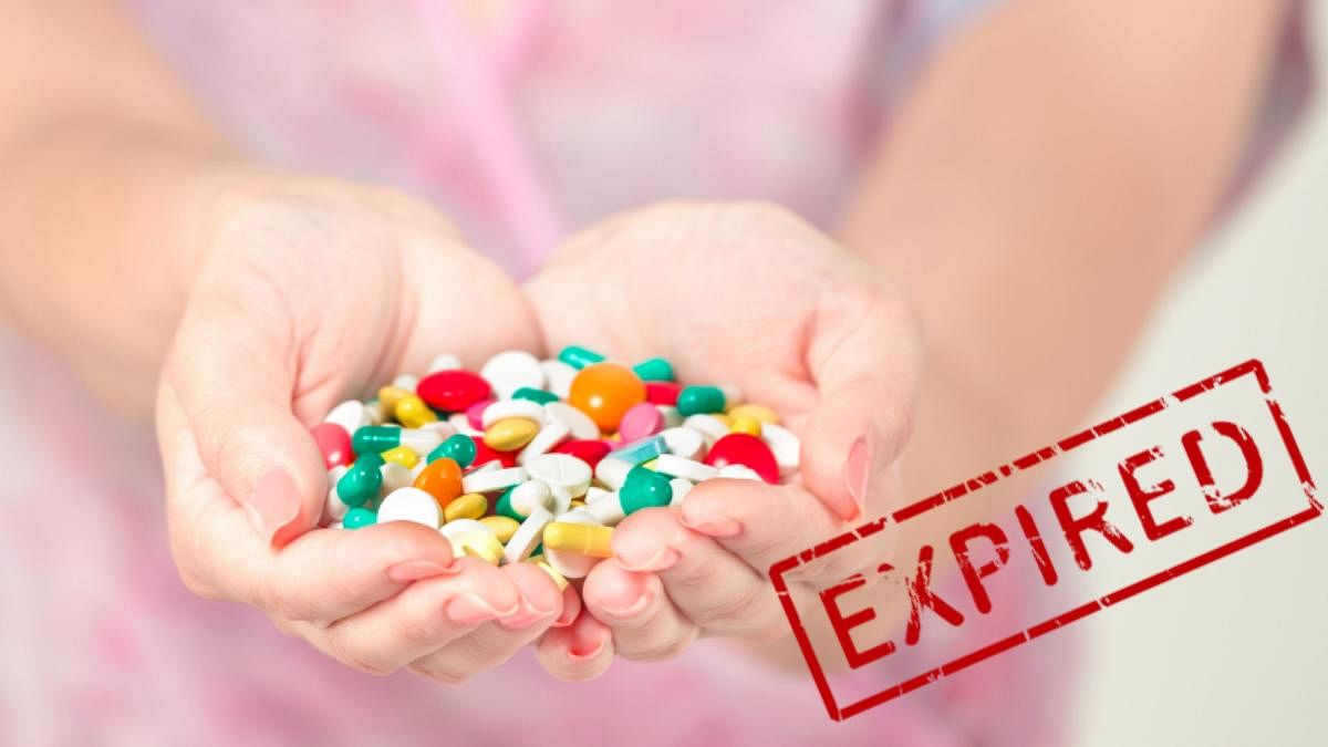 Prescription pills can remain sufficiently potent past their expiry date but you can't mindlessly pop in any pill. Scroll down to know what's safe and what's not (Photo: iStock)