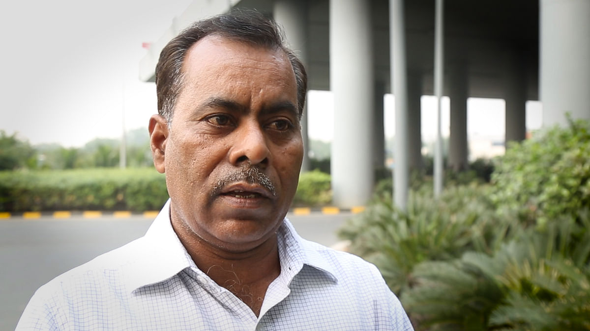 Nirbhaya's  father, outside his office at the Delhi International Airport (Photo: <b>The Quint</b>)