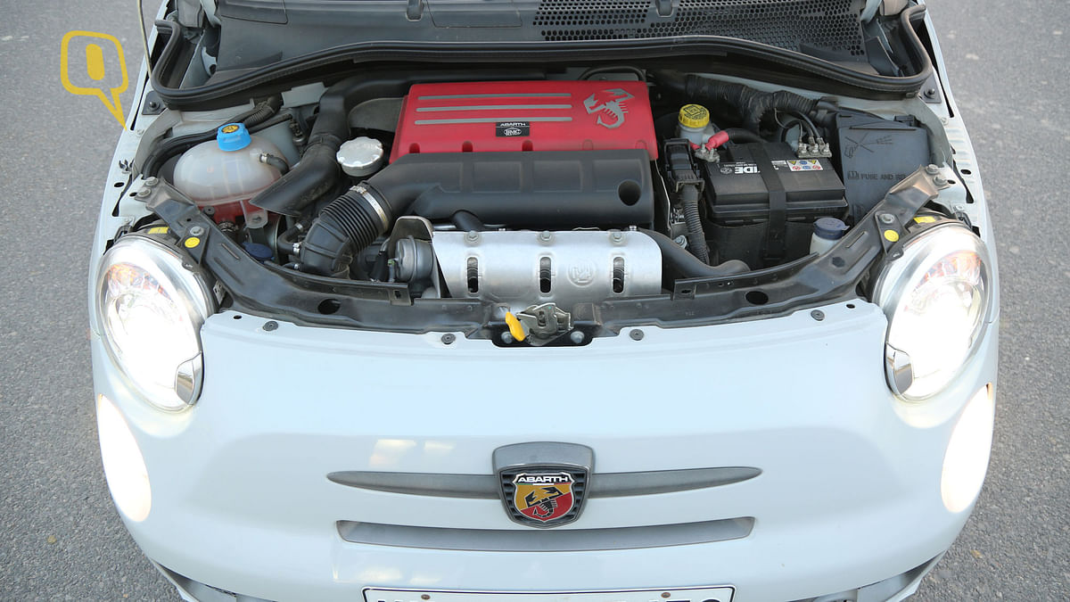 The 1.4 litre t-jet petrol engine on the Fiat Abarth 595 Competizione. (Photo: <b>The Quint/Siddharth Safaya</b>)