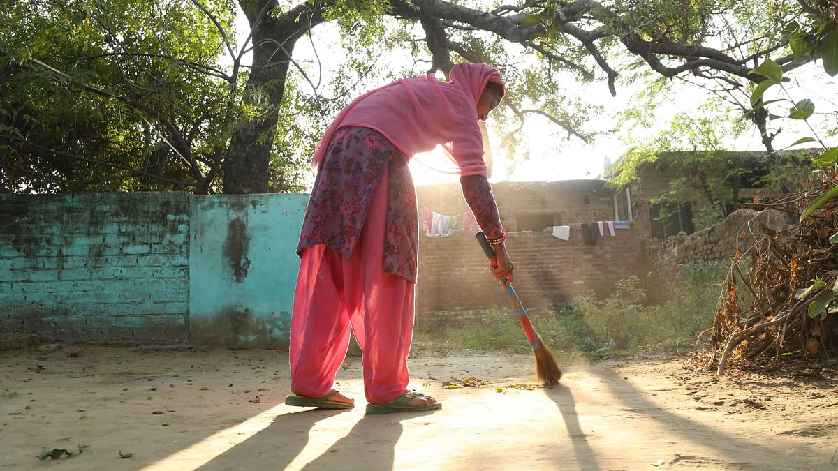 Kanwaljeet, mother of Dharmender Kumar, one of the 39 Indians abducted by the ISIS from Mosul, Iraq. (Photo: Siddharth Safaya/<b>The Quint</b>)