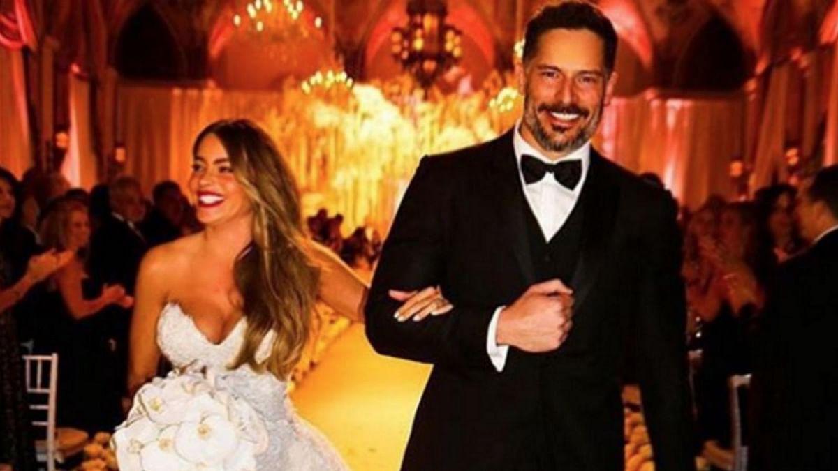 "Sofia Vergara and Joe Manganiello at their wedding ceremony (Photo: <a href=""https://twitter.com/ZMURADofficial"">Twitter/@ZMURAOfficial</a>)"