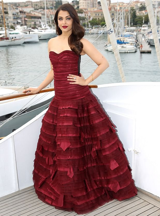 Aishwarya Rai spells rapture in this oxblood gown (Photo: Cannes Official)