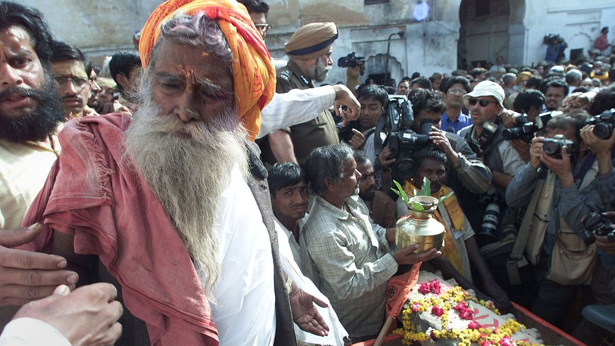 Ramchandra Das Paramhans blesses a symbolic stone to be used in the construction of the Ram Mandir. The firebrand sadhu died in 2003 at the age of 93. (Photo: Reuters)