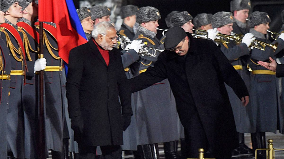 Prime Minister Narendra Modi during a guard of honour in Moscow. (Photo: PTI)