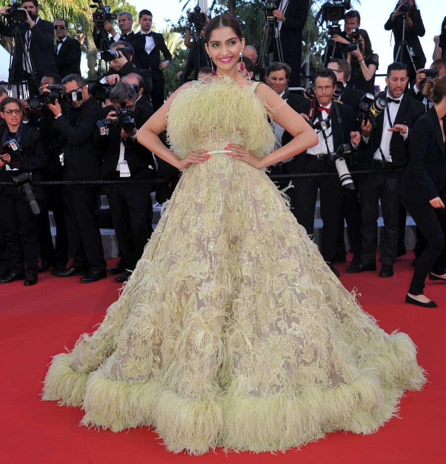 When Sonam Kapoor ended up looking like a moss (Photo: Cannes Official)
