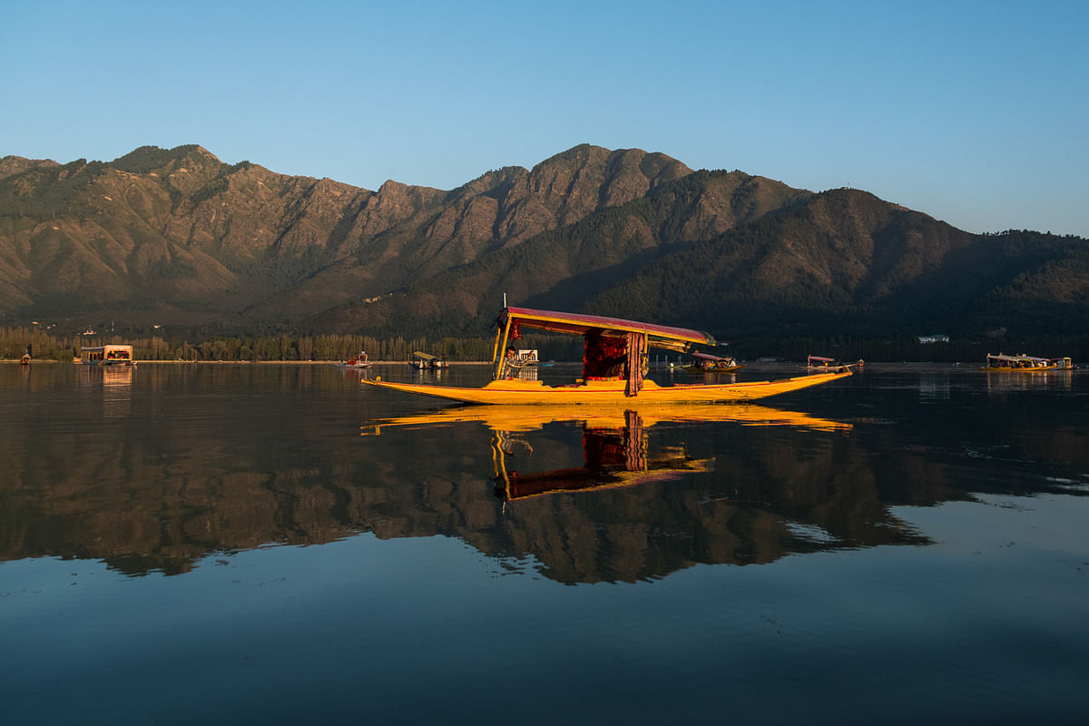 The couple found it surreal to wake up on a houseboat in Dal Lake. (Photo Courtesy: David and Katherine)