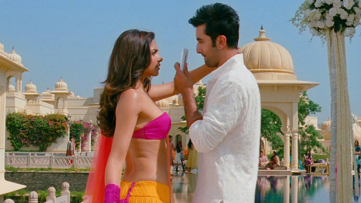 """The way you fight can determine how long you'll end up staying together and how happy and fulfilling your relationship will be! (Photo Courtesy: <a href=""""https://www.facebook.com/YehJawaaniHaiDeewani/photos_stream"""">Facebook/Yeh Jawaani Hai Deewani</a>)"""
