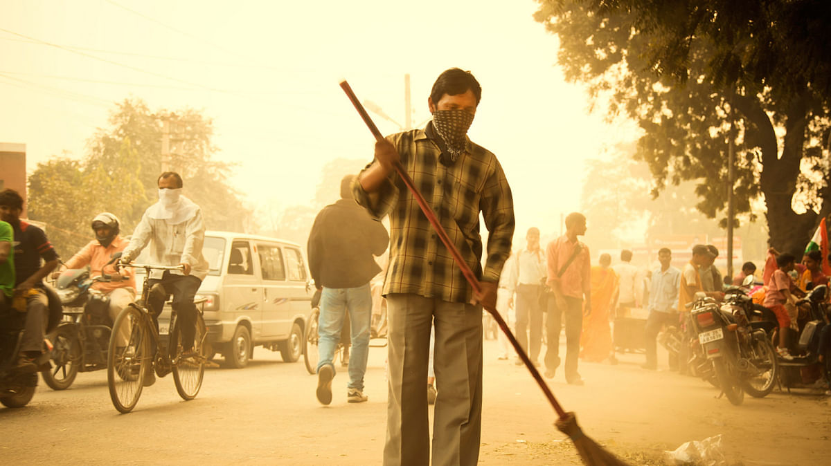 Study by the University of Birmingham   in 2013 revealed that dust  is responsible for 14.3% of PM 2.5 level at a pollution hotspot in Delhi. (Photo: iStock)