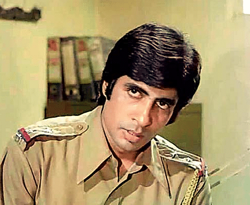 Amitabh Bachchan in an iconic scene from the movie <i>Zanjeer</i>.&nbsp;