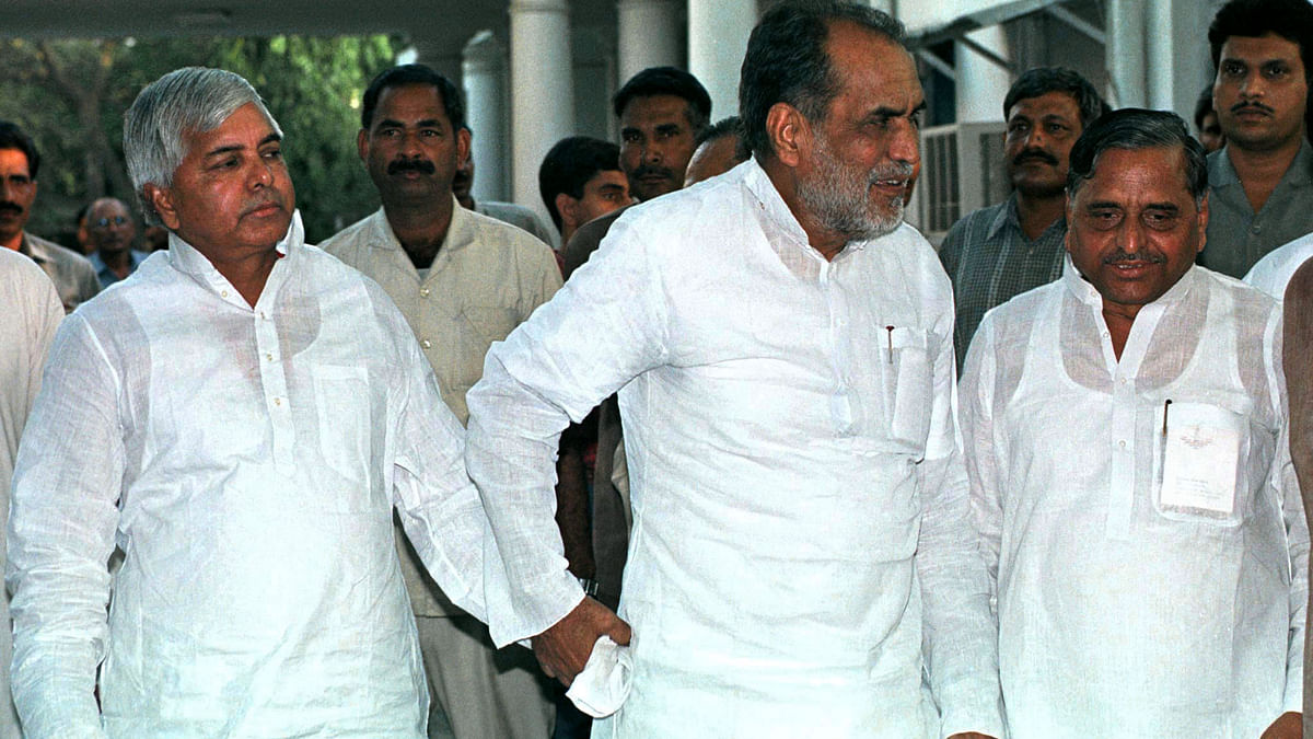 If Advani's arrest defined Lalu's brand of politics, the police firing on kar sevaks gave Mulayam an inalienable support base. (Photo: Reuters)