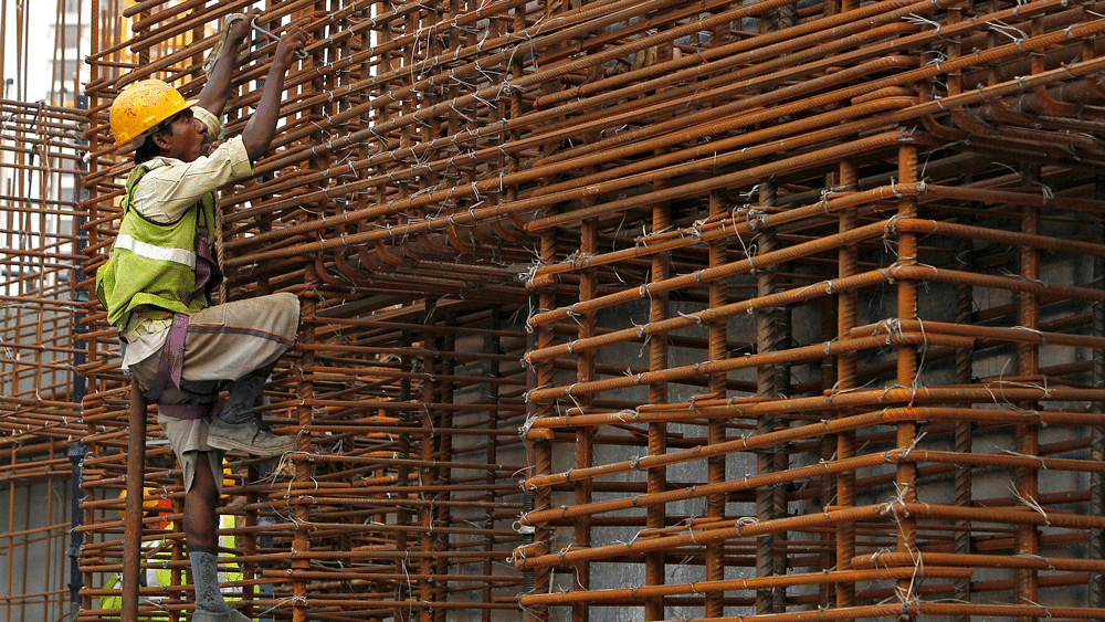 India's GDP growth tried to keep pace and rose from 5.2 percent in the decade 1980-90, to over 6.0 percent during 1990-2000 and to 7.8 percent during 2000-10. (Photo: Reuters)