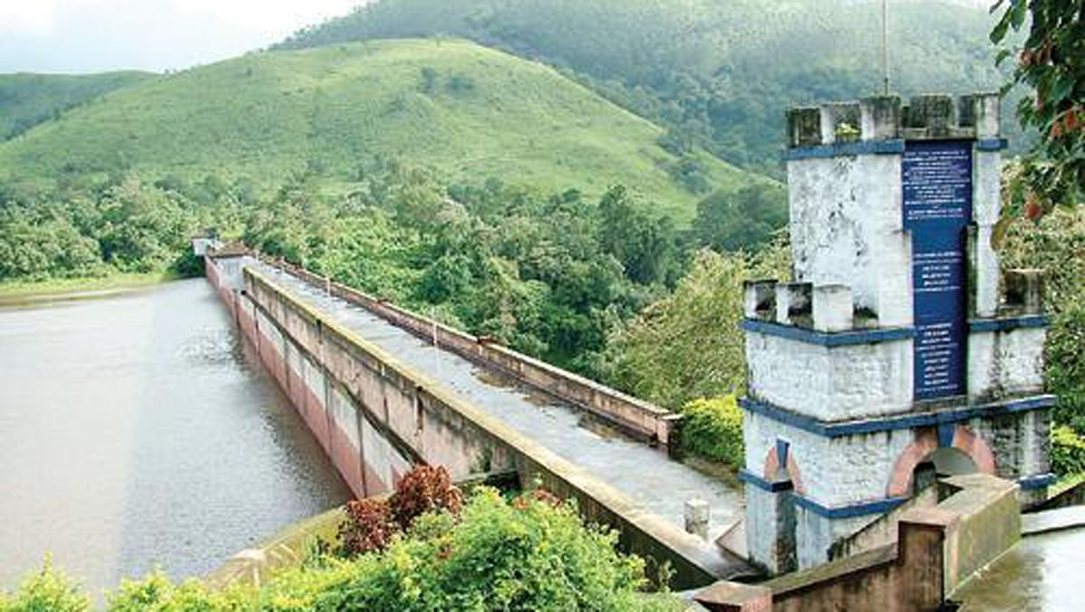 The Mullaperiyar dam is built on an elevated junction of 850m and has a height of of 53.6m from the foundation for catering to the irrigational needs of Tamil Nadu.