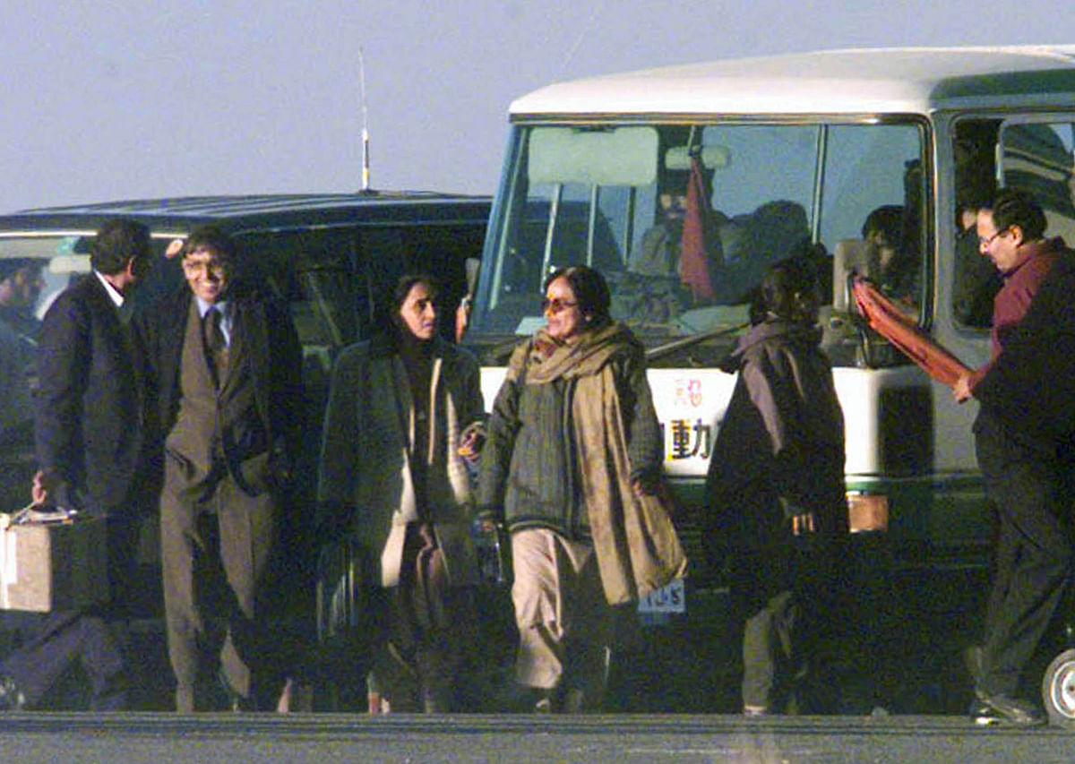 Hostages were finally freed on 31 December 1999.