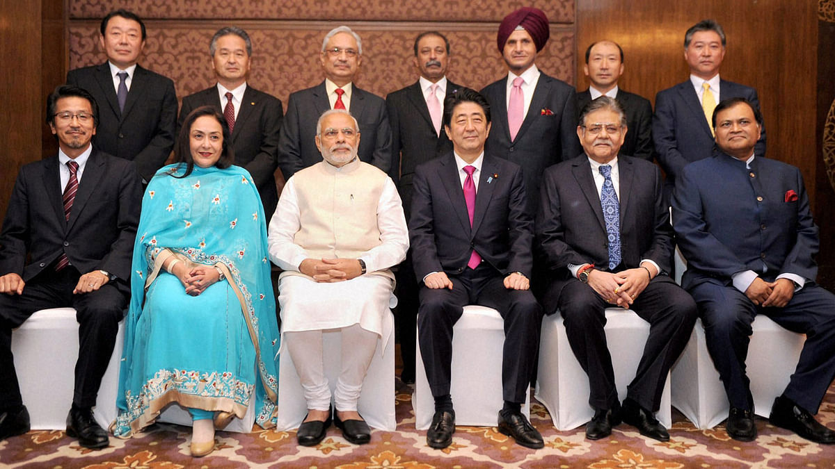 Prime Minister Narendra Modi and the Prime Minister of Japan, Shinzo Abe with the participants of the India-Japan Business Leaders Forum (Photo: PTI)