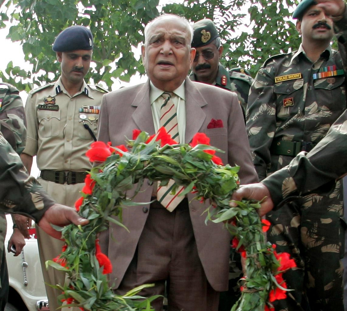 Lieutenant General SK Sinha at the inauguration of a war memorial in Budgam, Jammu and Kashmir, on August 21, 2016. (Photo: Reuters)