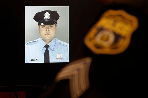 Officer Jesse Hartnett. (Photo: AP)