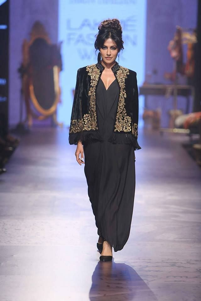 "Chitrangada Singh looks divine in black (Photo: <a href=""https://in.pinterest.com/pin/395894623473368834/"">Pinterest/FlakisLove</a>)"