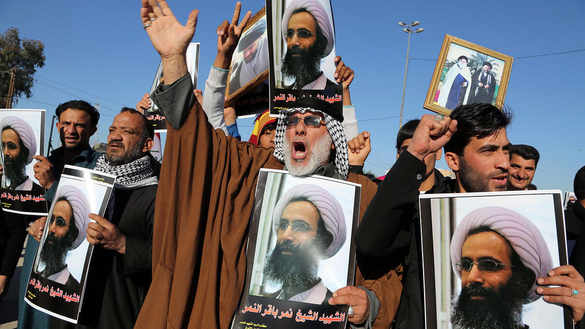 Iraqi Shia protesters chant slogans against the Saudi Arabian government during a demonstration in Najaf,  Iraq,  January 4, 2016. (Photo: Reuters)