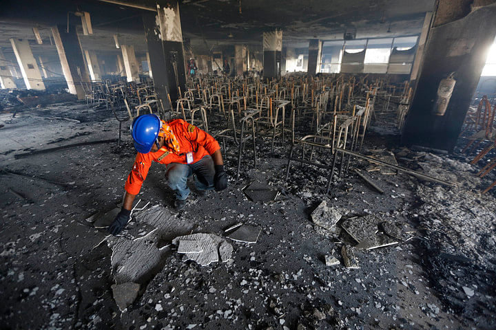 A huge fire  destroyed a garment factory in Bangladesh which supplied clothes to key Western brands. November 29, 2013. (Photo: Reuters)