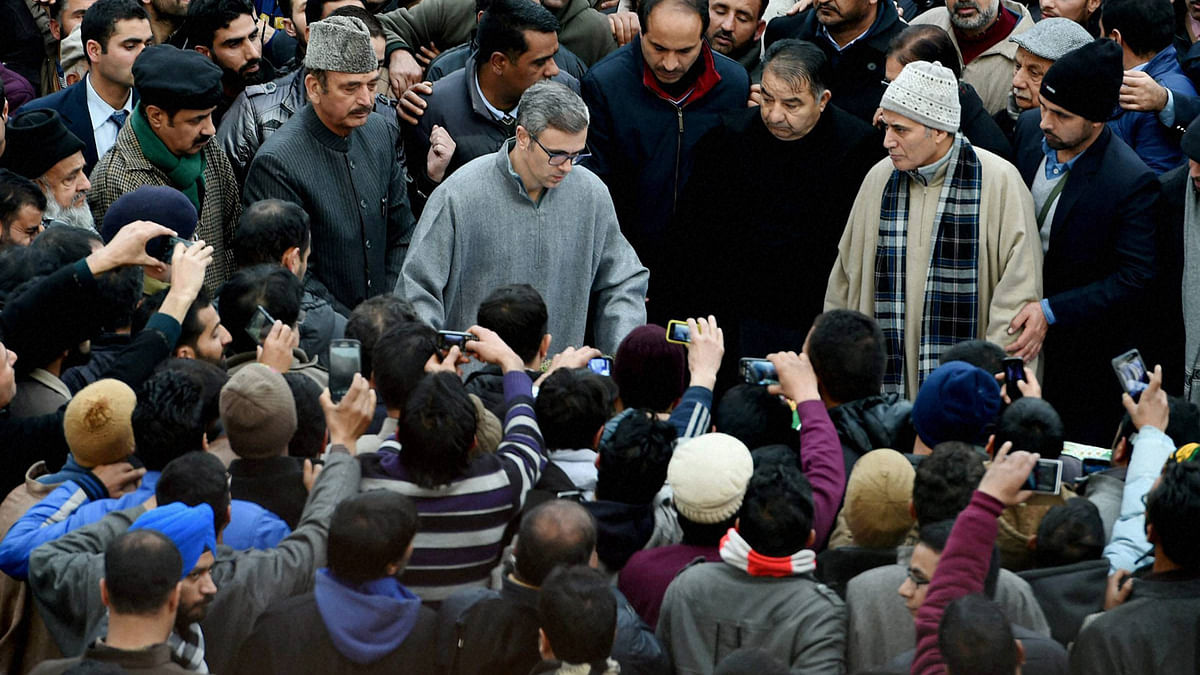 Former Chief Ministers of Jammu and Kashmir, Ghulam Nabi Azad and Omar Abdullah offering funeral prayers to Chief Minister of Jammu and Kashmir Mufti Mohammad Sayeed in Srinagar on Thursday. (Photo: PTI)