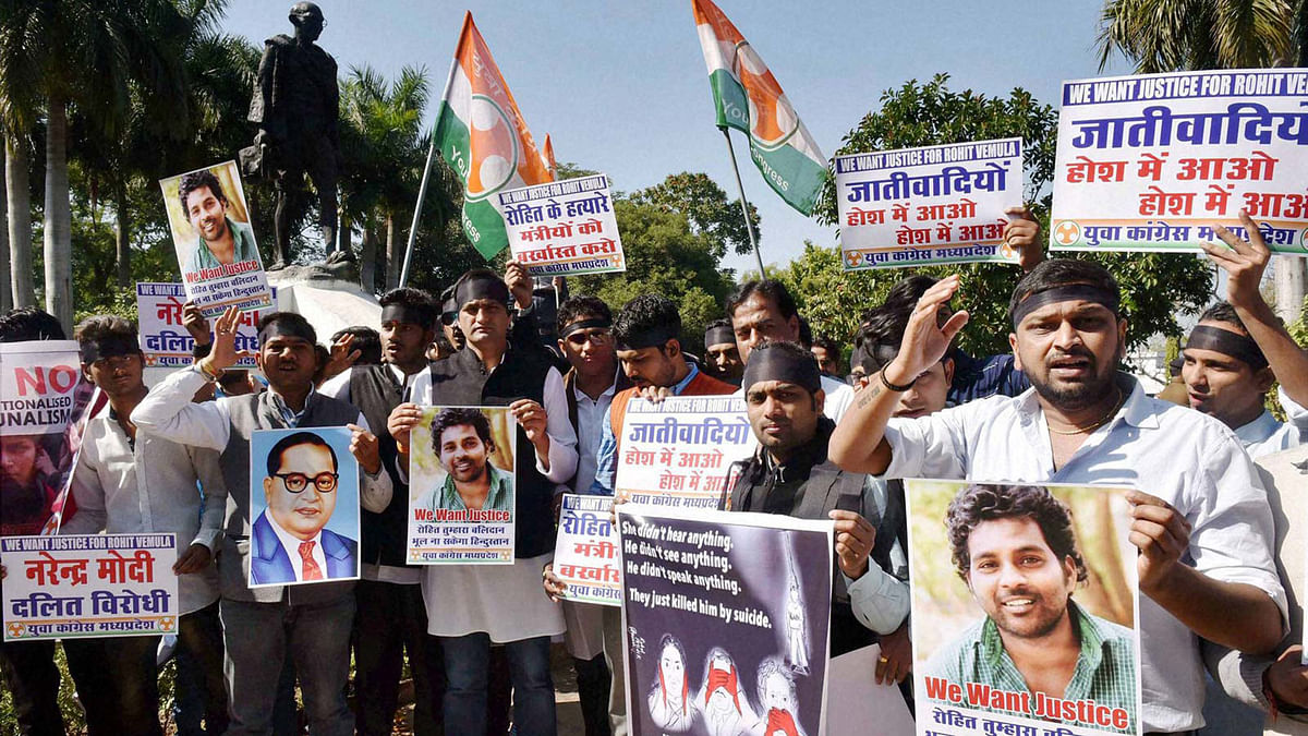 Students in Delhi protest against the suicide of Rohith Vemula. (Photo: PTI)
