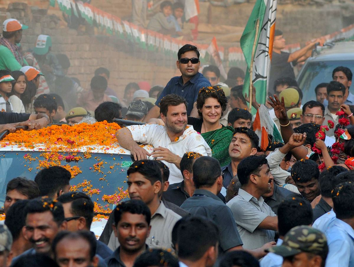 Priyanka Gandhi and Rahul Gandhi attend an election campaign rally in Amethi together, in 2014. (Photo: Reuters)