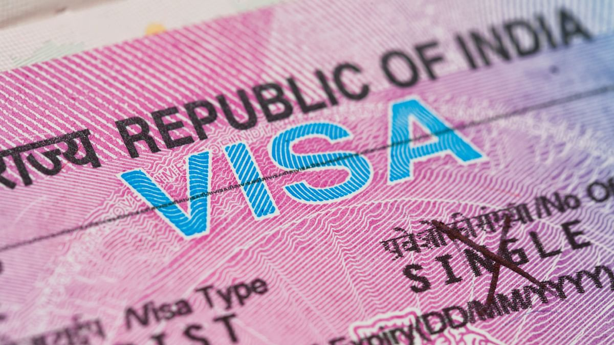 E-Visa vs Visa On Arrival – All You Need To Know
