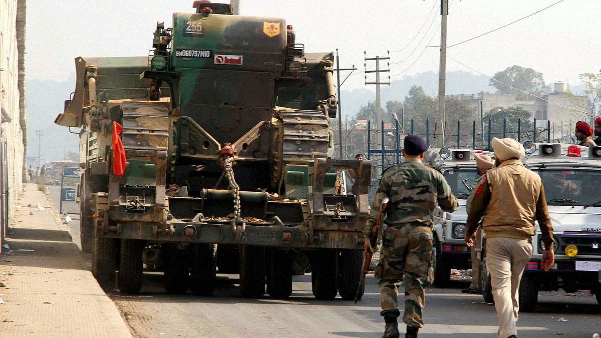 Security personnel during their operation against the militants who attacked the Indian Air Force base in Pathankot on Sunday.(Photo: PTI)