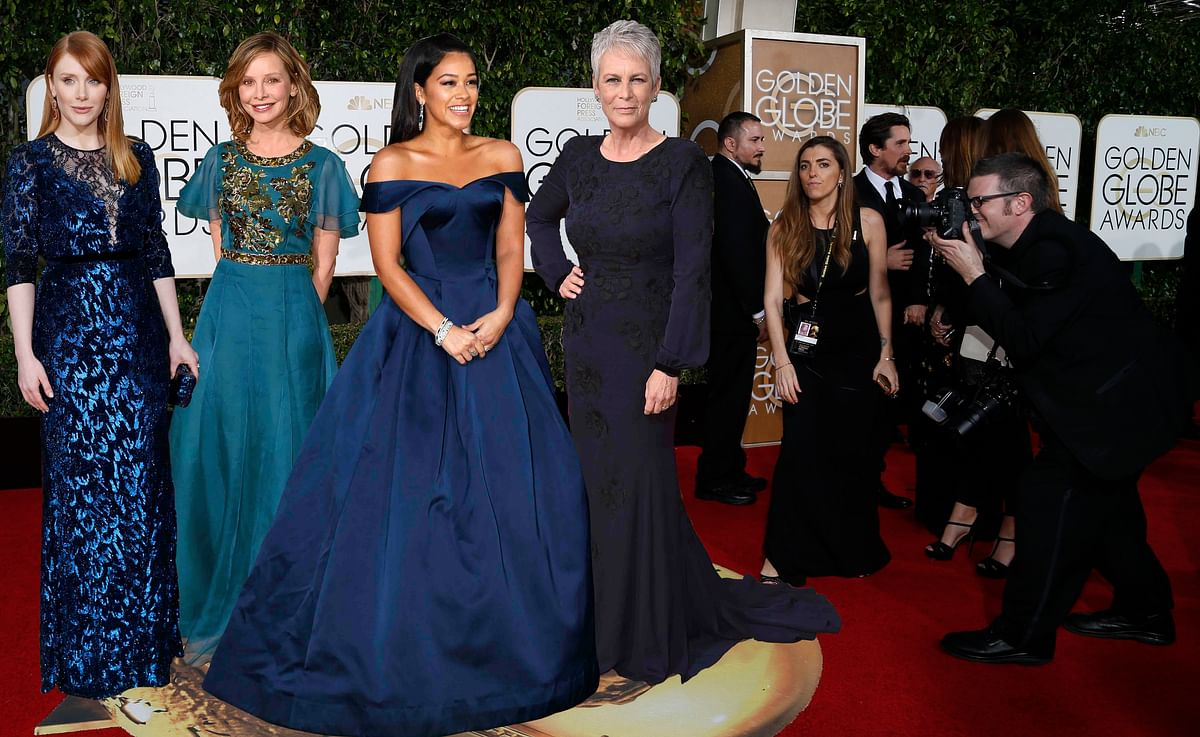 Bryce Dallas Howard, Calista Flockhart, Gina Rodriguez and Jamie Lee Curtis go blue for Golden Globe (Photo: Reuters) (Photo: APT)