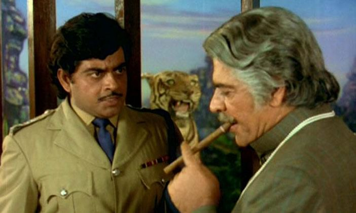 Shatrughan Sinha with Ajit in <i>Kalicharan</i>