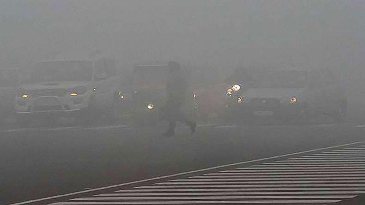 Delhi Temp Drops to 4°C, 18 Trains Cancelled, 5 Flights Delayed