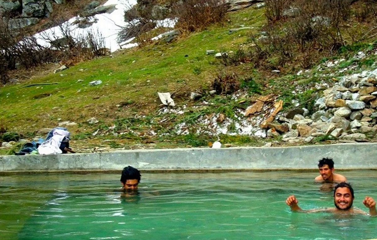 Natural pool heated by hot springs – and a little patch of snow right next to it! (Photo Courtesy: Sonal Kwatra Paladini/Drifter Planet)