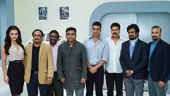 Akshay Kumar with filmmaker Shankar, Rajinikanth, AR Rahman and other members of team <i>Robot 2.0 </i>(Photo courtesy: Twitter)