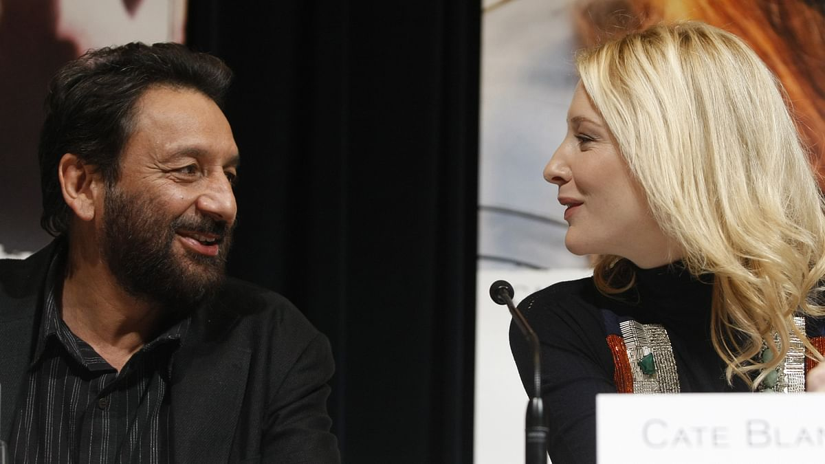 Shekhar Kapur (L) with the star of his Oscar nominated film <i>Elizabeth, </i>Cate Blanchett (Photo: Reuters)<i></i>