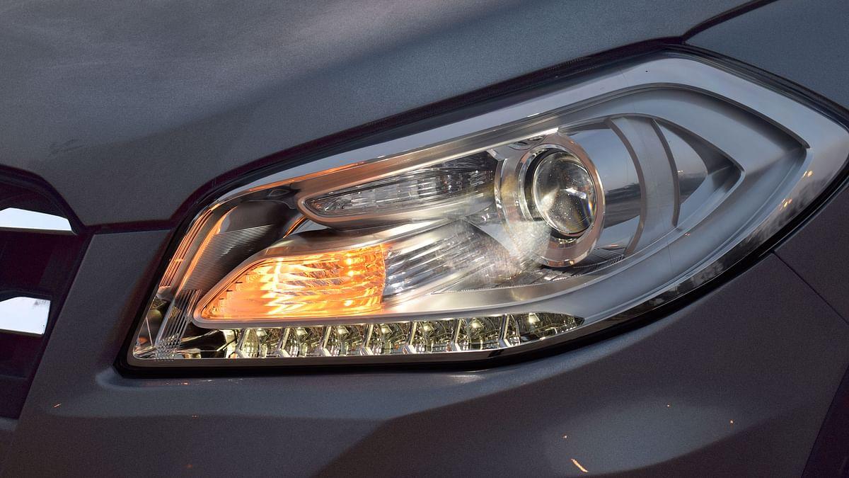 LEDs on the headlamps of the Maruti Suzuki S-Cross. (Photo: <b>The Quint</b>)