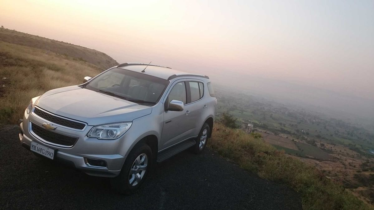 "Chevrolet Trailblazer 2.8 LTZ faces a stif competition from Toyota Fortuner and to be launched Ford Endeavour. (Photo: <a href=""https://www.motorscribes.com/"">MotorScribes</a>)"