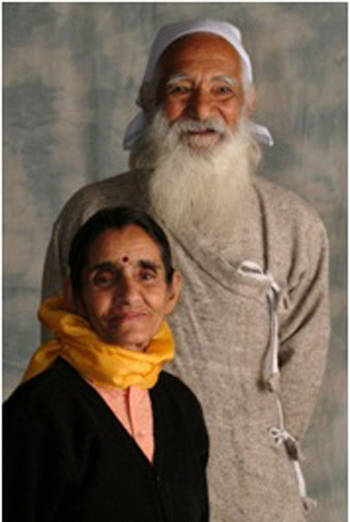 Bimla married Sunderlal on the condition that they would move to a village and dedicate their lives to serving the village community.