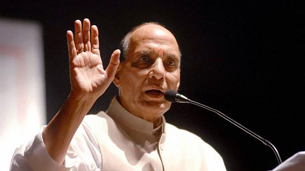 'Remember Breakup of  1971, Mend Your Ways': Rajnath to Pakistan