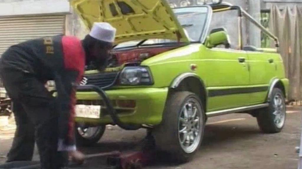Raees Mohammad Makrani, a mechanic, who has built a car that runs on water. (Photo: AP screengrab)