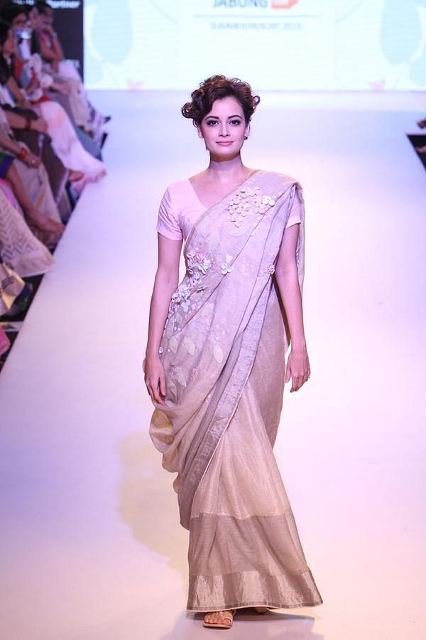 "Dia Mirza's simplicity leaves a bold mark (Photo: <a href=""https://www.pinterest.com/pin/364650901055701793/"">Pinterest/BollywoodTerapi</a>)"